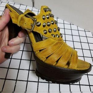 Lisa for Donald J Pliner Shoes - Lisa for Donald J. Pliner Isra heels